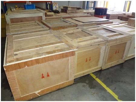 传统木质包装箱外观 亮立卡扣式木包装箱外观